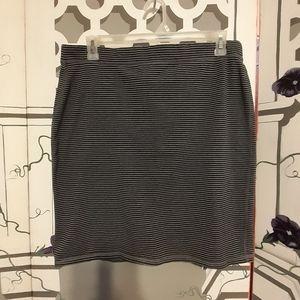 Old Navy Black & Grey Striped  Pencil Skirt  SZ XL